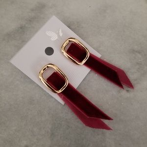 Jewelry - Vintage Suede Ribbon earrings